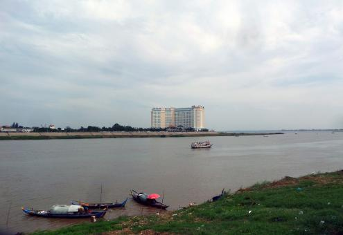 Free Stock Photo of Boats on the Tonle Sap river - Phnom Penh