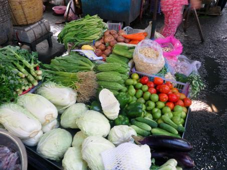 Free Stock Photo of Fresh vegetables at street market
