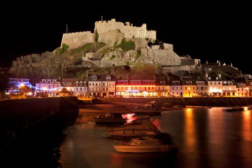 Free Stock Photo of Jersey Night Castle - Mont Orgueil