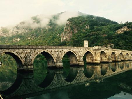 Free Stock Photo of Roman Bridge