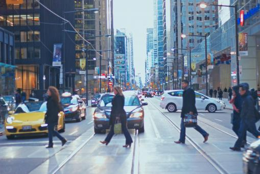 Free Stock Photo of Walking over busy street