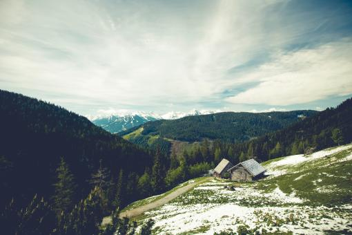 Free Stock Photo of Wooden house on the Mountain