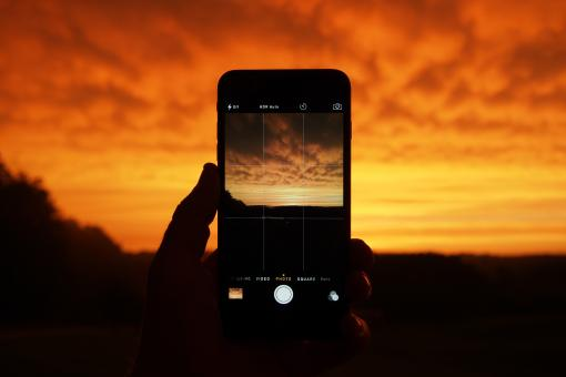 Free Stock Photo of Cellphone Sunset