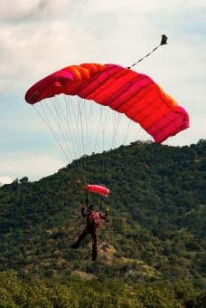 Free Stock Photo of Parachuting