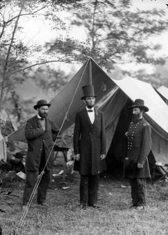 Free Stock Photo of Pinkerton with Abraham Lincoln