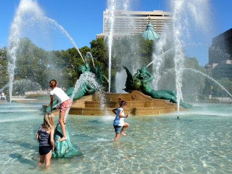 Free Stock Photo of Children Playing in the Fountain