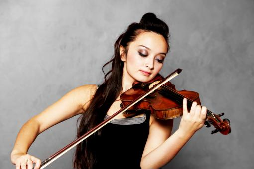 Free Stock Photo of Solo Violinist
