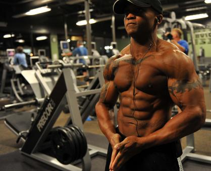 Free Stock Photo of Bodybuilder in Gym