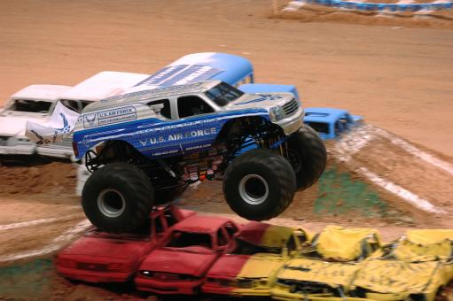 Free Stock Photo of Truck Racing