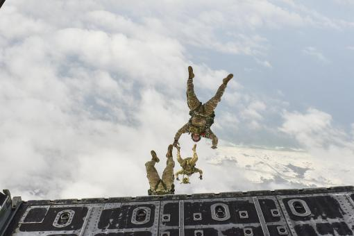 Free Stock Photo of Military Skydivers