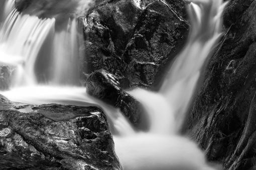 Free Stock Photo of Shelving Rock Stream - Black & White HDR