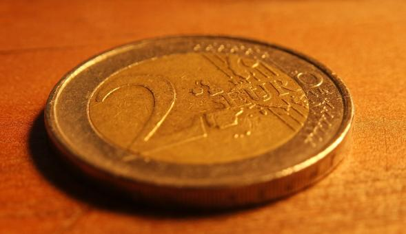 Free Stock Photo of 2 Euro