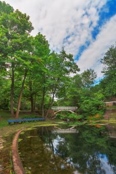 Free Stock Photo of Jean-Drapeau Arch Pond - HDR