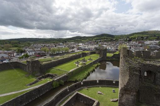 Free Stock Photo of Caerphilly Castle