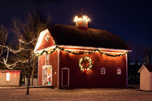 Free Stock Photo of Christmas House