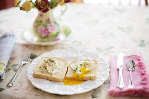 Free Stock Photo of Poached Eggs on Toast
