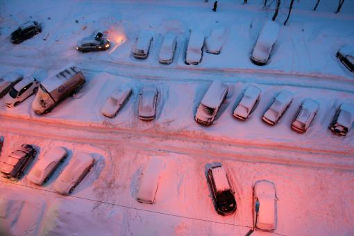 Free Stock Photo of Cars Parked in Snow