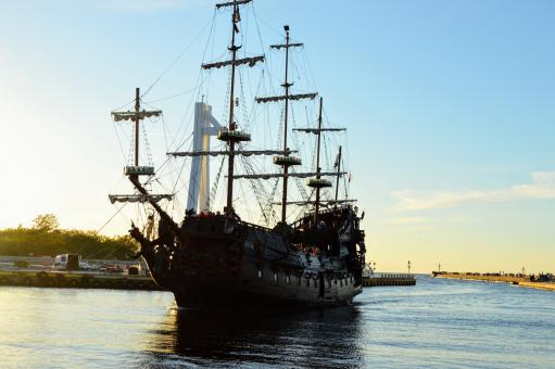 Free Stock Photo of Tourist old sailing ship Galleon enters the harbor
