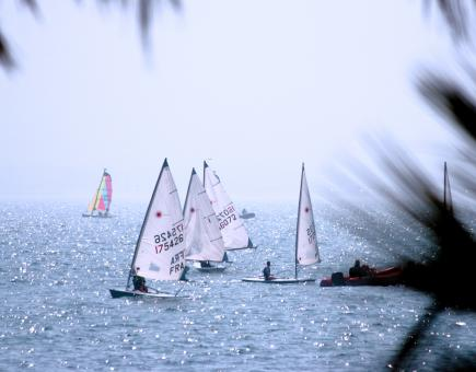 Free Stock Photo of Recreational Sport Yachting On The Ocean
