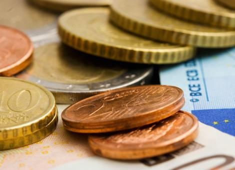 Free Stock Photo of Euros Cash And Coins