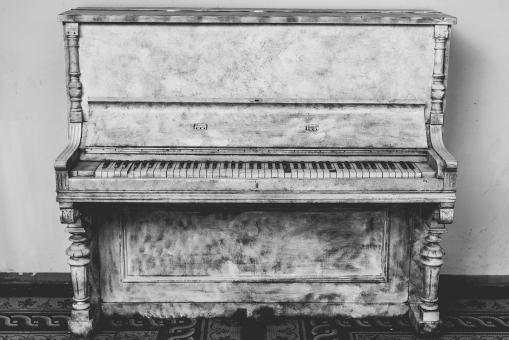 Free Stock Photo of Old Piano