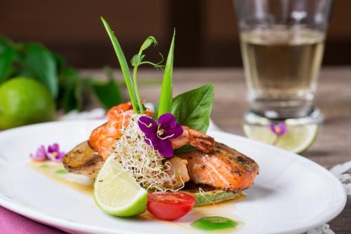 Free Stock Photo of Dish of Salmon with Lime
