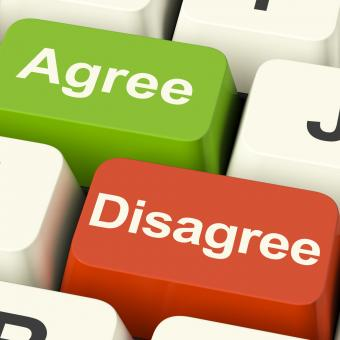 Free Stock Photo of Disagree And Agree Keys For Online Poll Or Voting