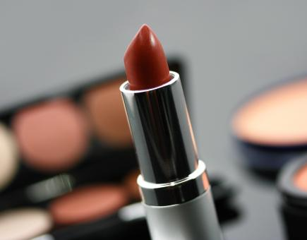 Free Stock Photo of Red Lipstick And Other Cosmetics