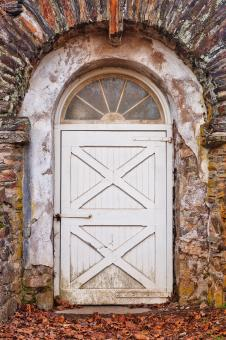 Free Stock Photo of Rustic Arch Door - HDR