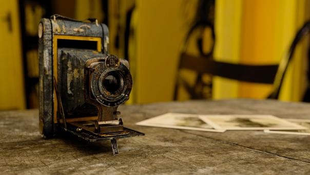 Free Stock Photo of Antique Camera