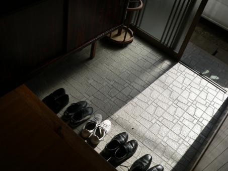 Free Stock Photo of Shoes in the hallway of a Japanese house