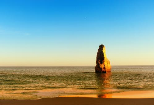 Free Stock Photo of Golden Sea Stack - Beach in the Algarve - Portugal