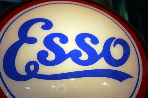Free Stock Photo of Vintage Esso oil company illuminated sign logo