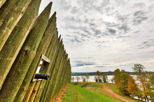 Free Stock Photo of Fort Loudoun Cannon Wall