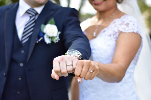 Free Stock Photo of Wedding Rings Fists