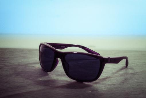 Free Stock Photo of Dark Sunglasses