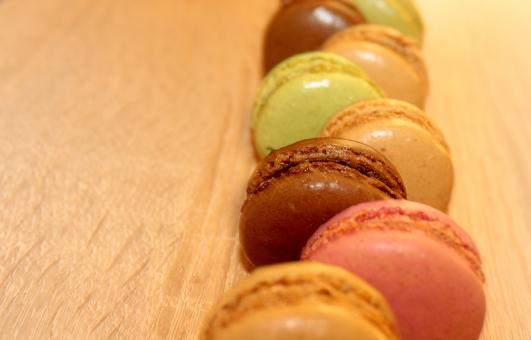 Free Stock Photo of Row of French Macaroons - Sweets and Cookies