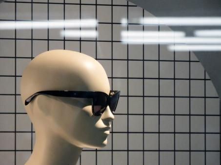 Free Stock Photo of Female mannequin wearing dark sunglasses
