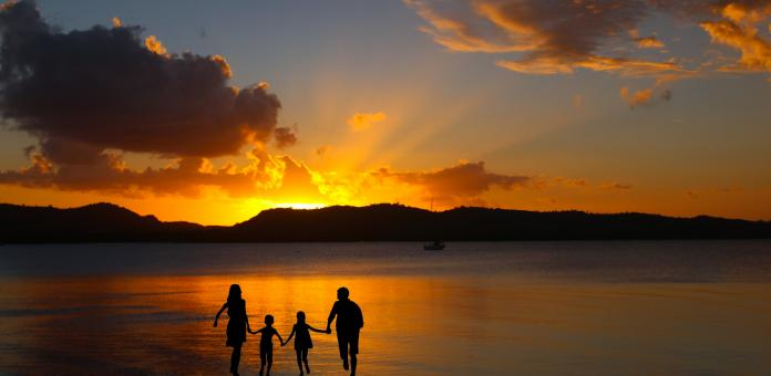 Free Stock Photo of Family Vacation at Sunset