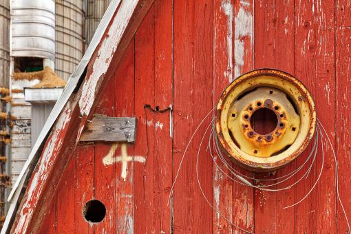 Free Stock Photo of Red Rustic Barn Close-up
