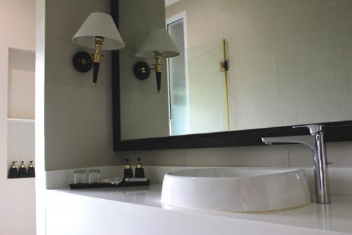 Free Stock Photo of Bathroom sink and mirror