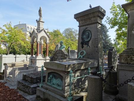 Free Stock Photo of Beautiful graves. Cemetery in Paris, France