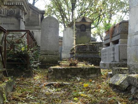 Free Stock Photo of Abandoned graves. Cemetery, Paris. France