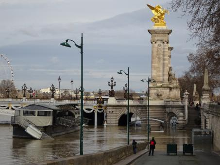 Free Stock Photo of Paris was occupied by the nazi... A little flood is nothing!!