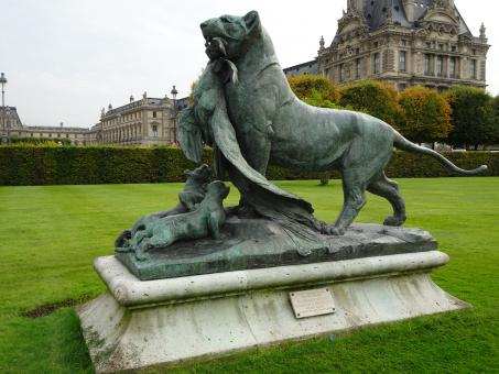 Free Stock Photo of Bronze sculpture at the Louvre museum