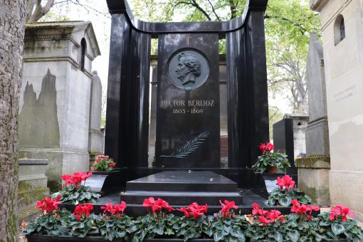 Free Stock Photo of Famous composer Hector Berlioz's funerary monument