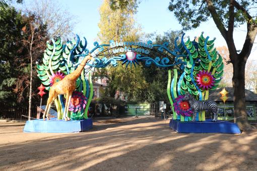Free Stock Photo of Nicely decorated zoo's entrance