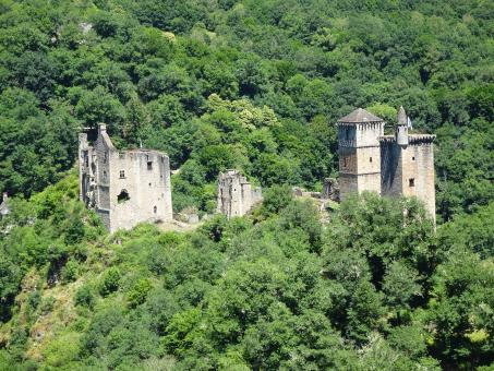 Free Stock Photo of Ruins of seven middle-age castles belonging to the same family