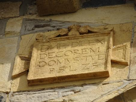 Free Stock Photo of Limestone engraving of a church's wall