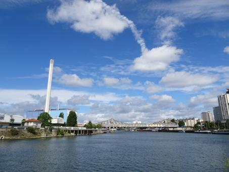 Free Stock Photo of Weird clouds on the river Seine!